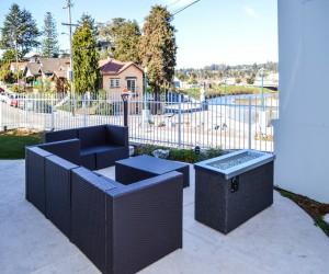 Rio Vista Inn & Suites Santa Cruz - Exterior Lounge